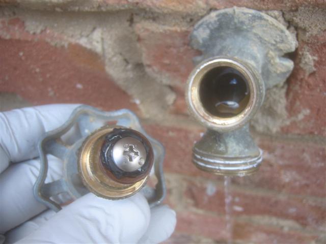 How to fix an outside water faucet / hose bib when it leaks? | cwguy ...